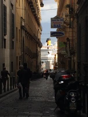 Napoli, Costa Serena