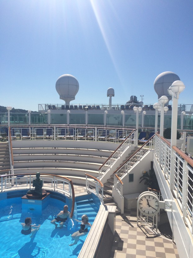 Oasis Pool Azura
