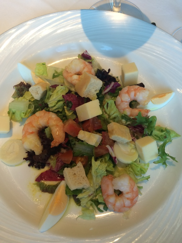 Nydelig forrett: «Prawn Salad Monte-Cristo» fra menyen «Lighter Options». Foto: Cruise.no