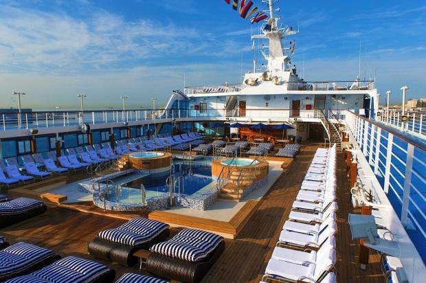 Pool deck Insignia