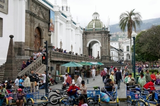 quito-by-1
