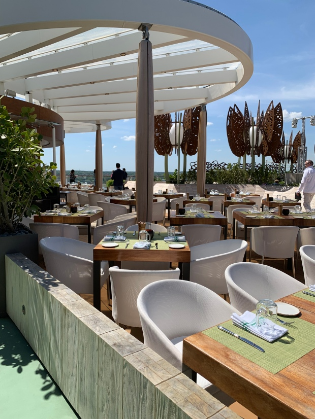 Rooftop Garden Grill. Foto: Cruise.no